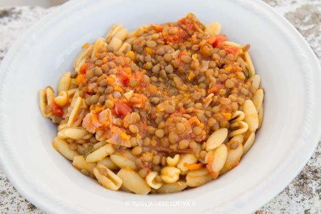 Cavatelli con lenticchie al sugo