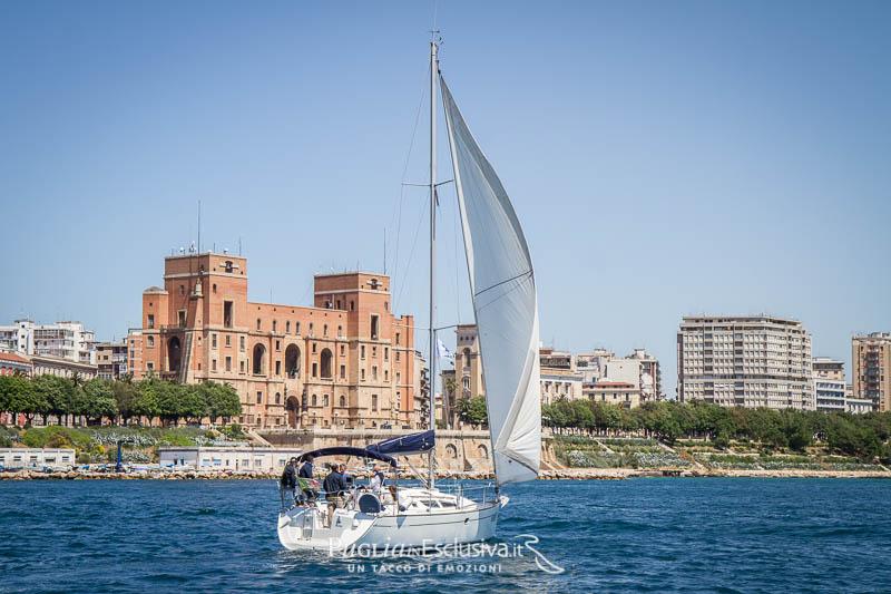 Veleggiata sul Golfo di Taranto