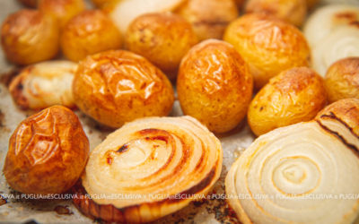 Patate novelle e cipolle al forno